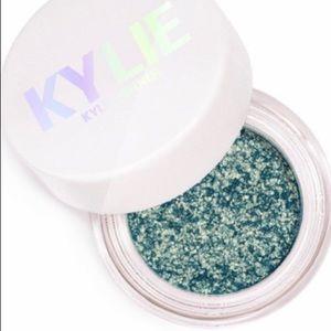 Kylie Cosmetics - Aqua Mama / Shimmer Eye Glaze.